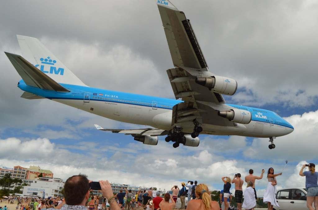 747-400 KLM arrival