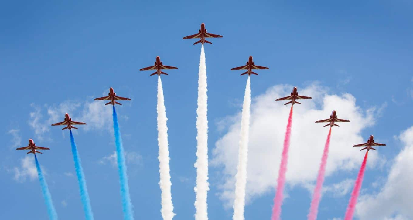 Britain's RAF Red Arrows to Tour North American Airshows in
