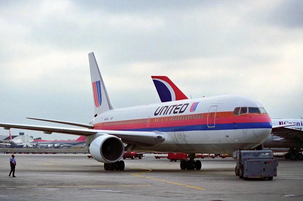 Boeing 767 United 1980s