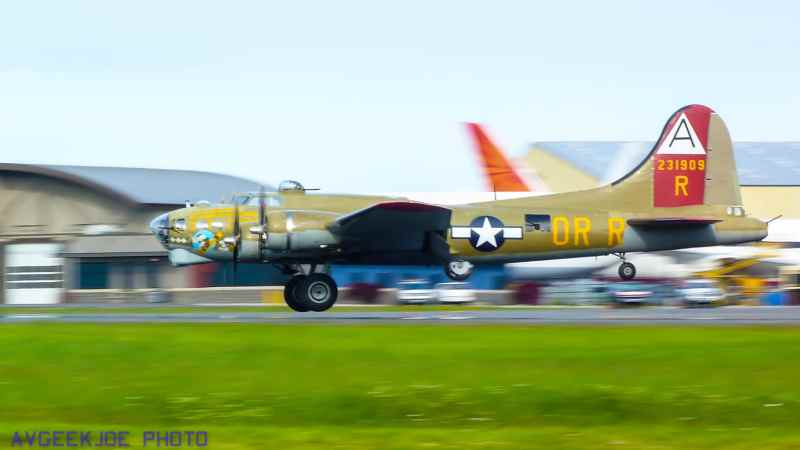 Collings Foundation Nine O Nine B-17G