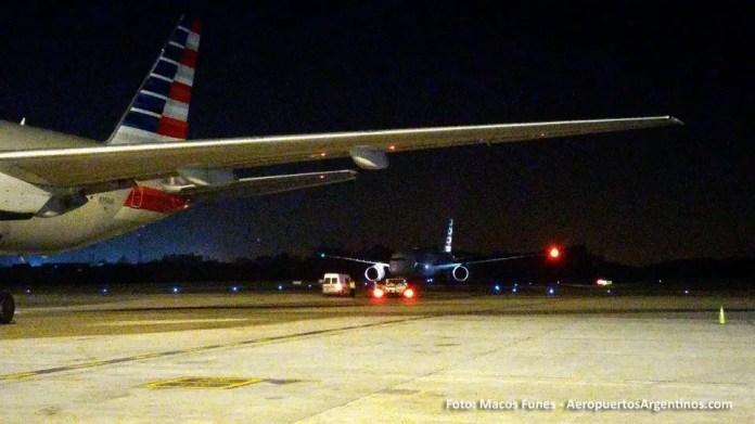13ABR 787 American en Ezeiza Marcos Funes 01