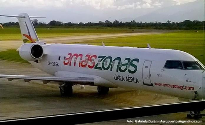 CRJ200 CP-2856 de Amaszonas en el aeropuerto de Salta