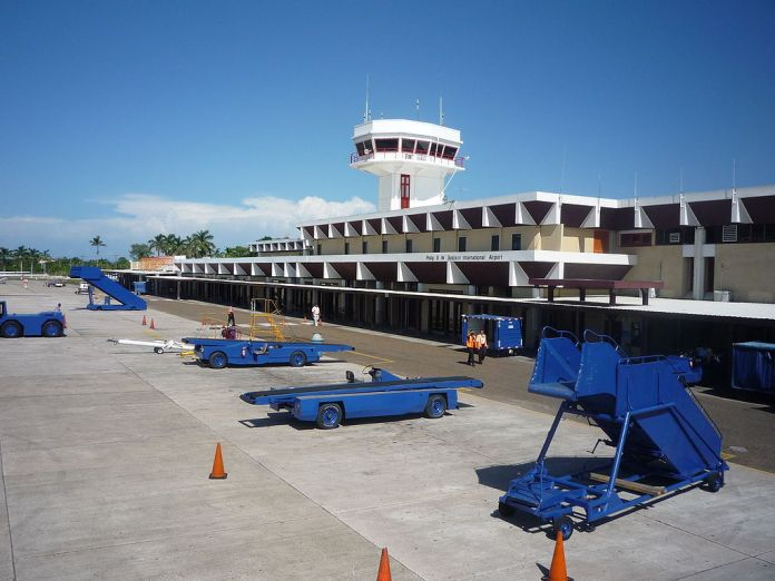 Terminal del aeropuerto de Belice (Foto: Pgbk87/Wikimedia)