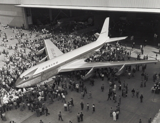 Roll Out del Boeing 367-80 - Foto:Smithsonian Air and Space Museum