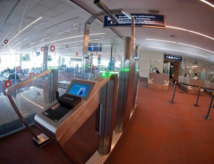 Aeropuerto de Ezeiza - Control biometrico 03