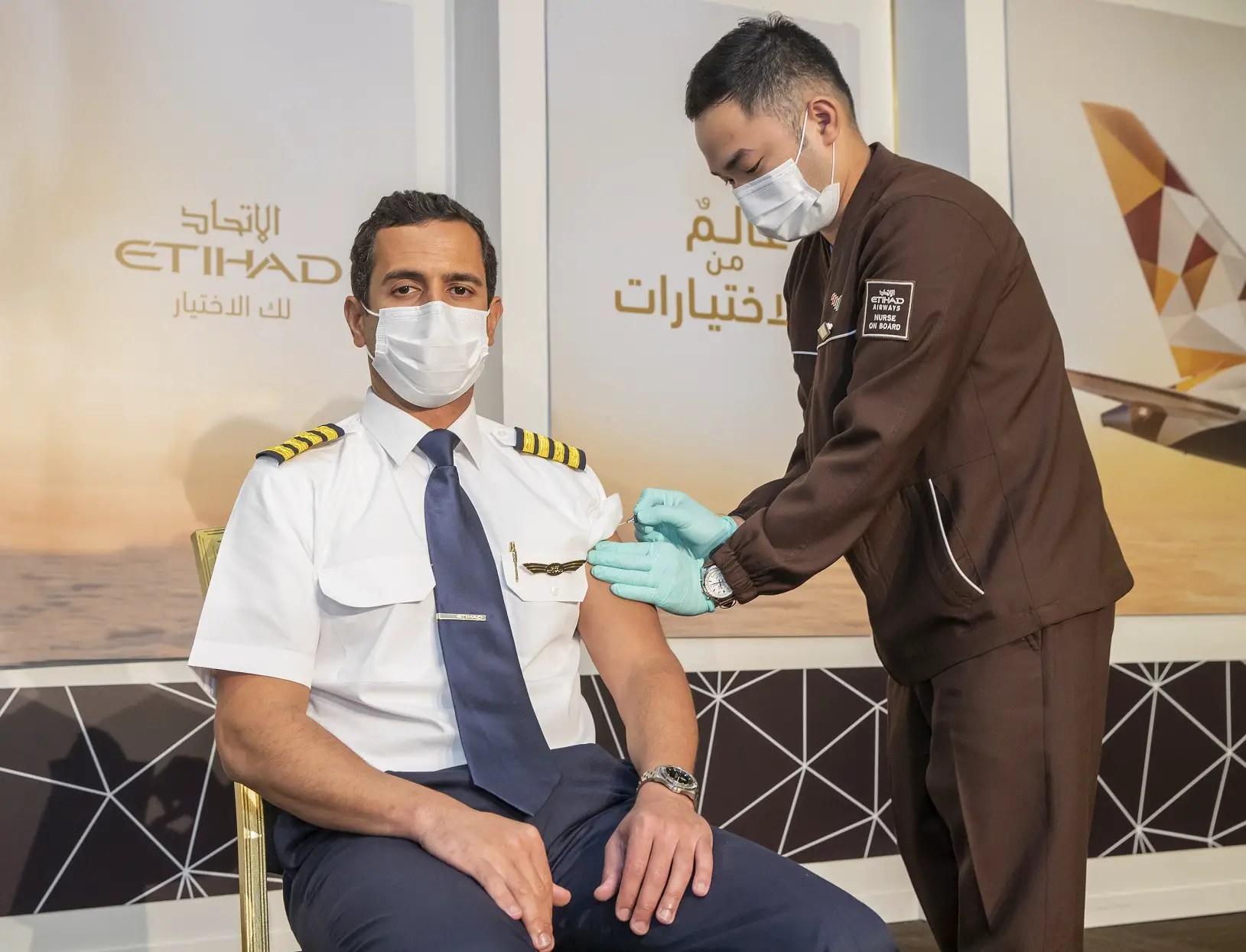 Etihad es la primera aerolínea del mundo en vacunar a todas sus  tripulaciones | Aviacionline.com