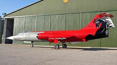 f-104 9 stormo grazzanise livrea special ferrari
