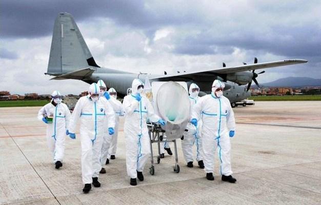 aeronautica militare esercitazione al trasporto aereo in biocontenimento