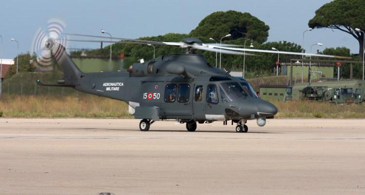 Elicottero E Aereo : Aeronautica militare un elicottero e aereo per salvare
