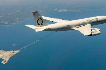 x-47b first autonomous air refueling