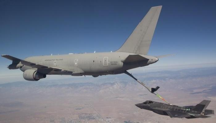 primo rifornimento in volo tra kc767 italiano e un f-35