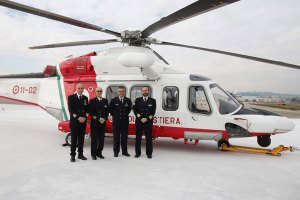 foto di elicotteri della componente aerea della guardia costiera