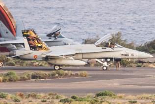 f-18 hornet spagnoli base aera di gando