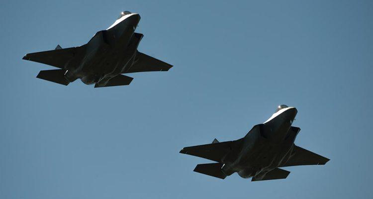 primo volo in formazione per gli f-35 italiani