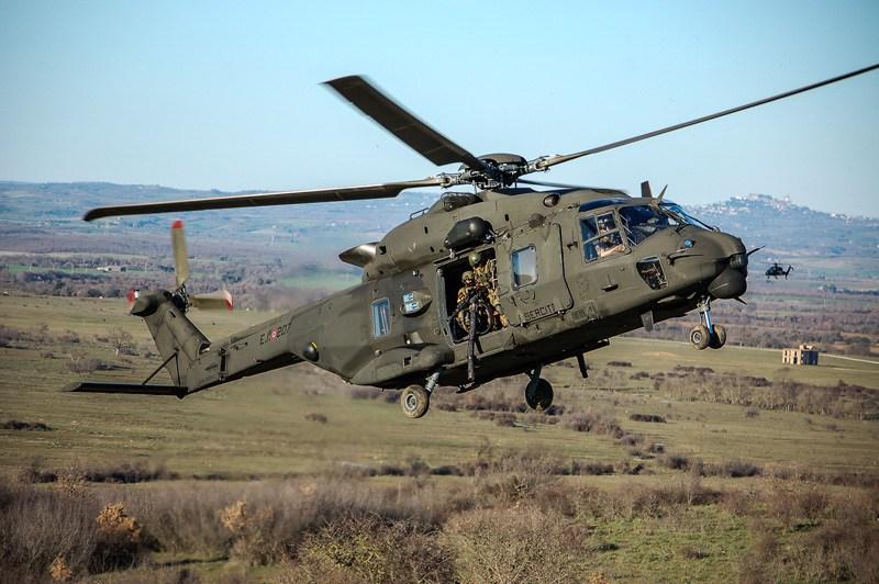 Foto elicottero da combattimento 86