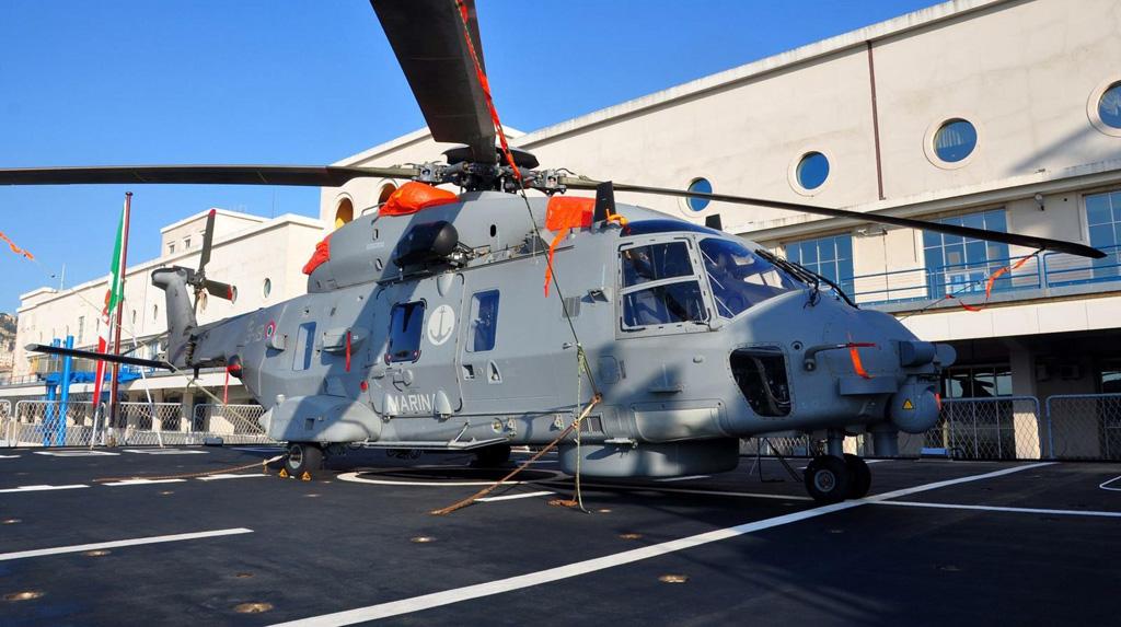 elicottero SH-90 nave mimbelli