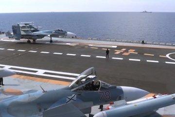 Su-33 sulla portaerei russa Admiral Kuztensov