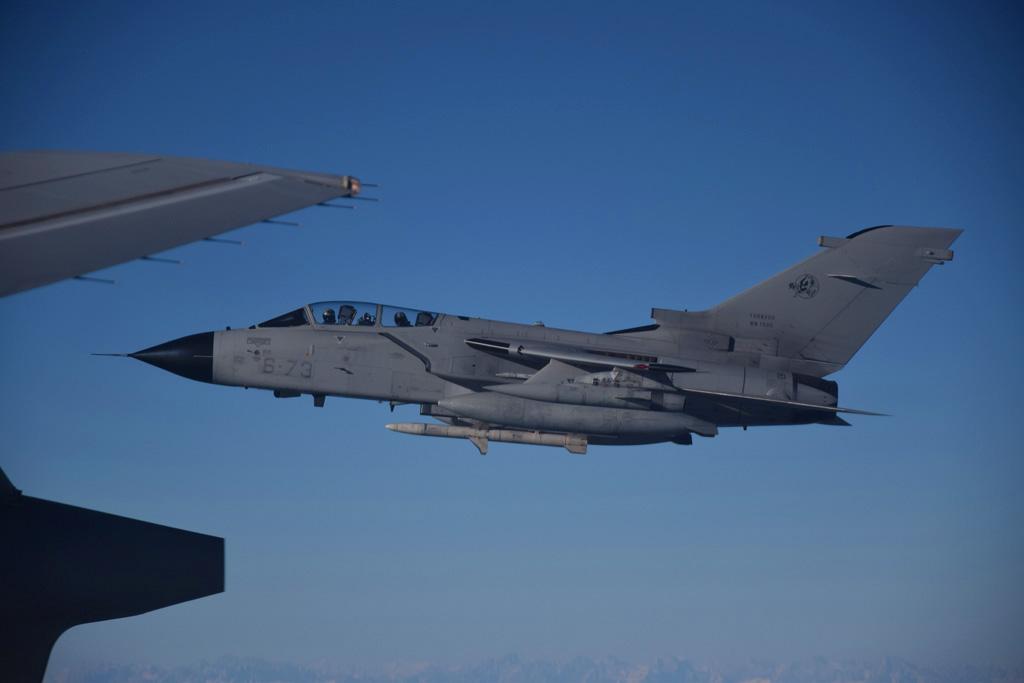 Tornado ECR in formazione dopo il rifornimento in volo