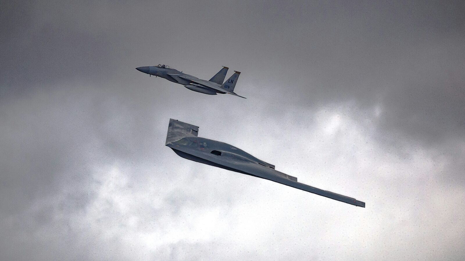 bombardiere strategico americano B-2A Spirit