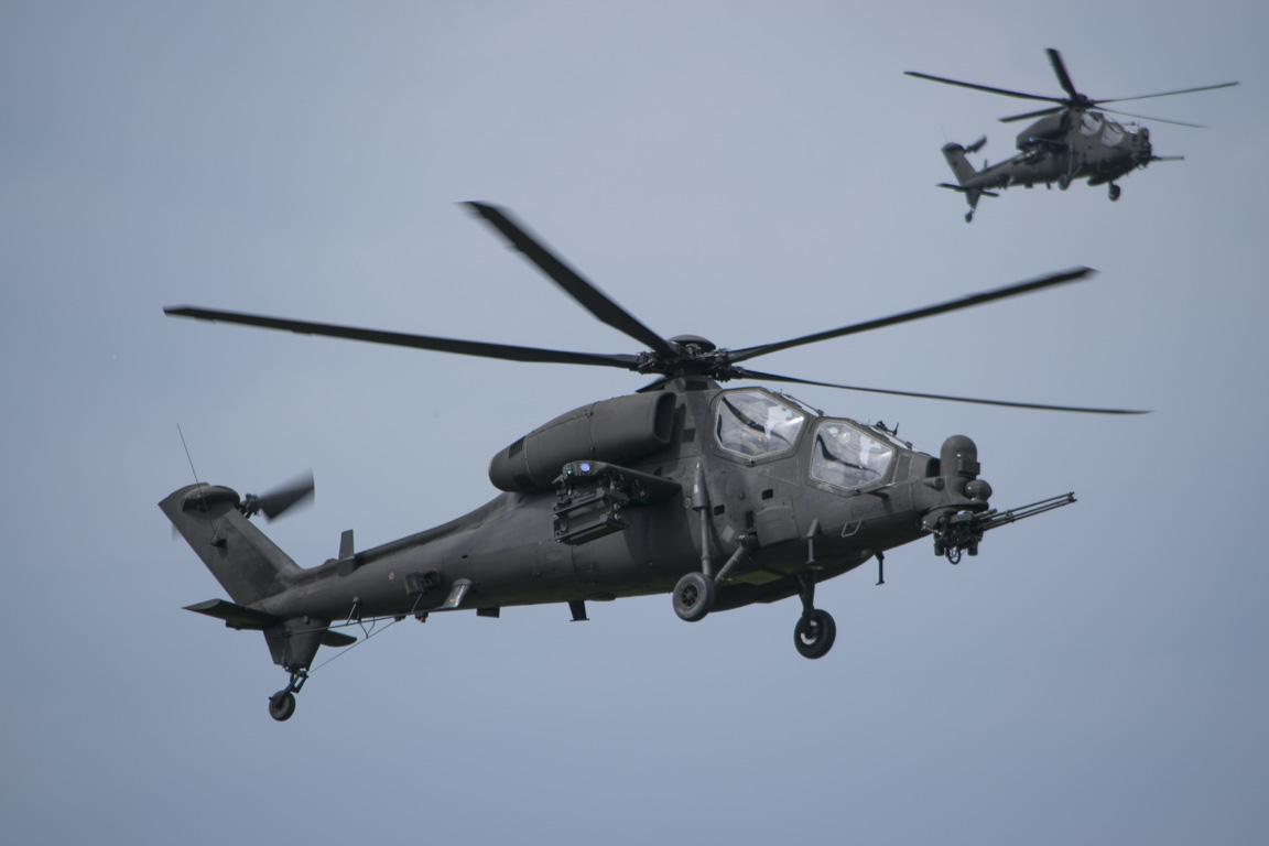 elicottero da combattimento italiano AH-129D Mangusta