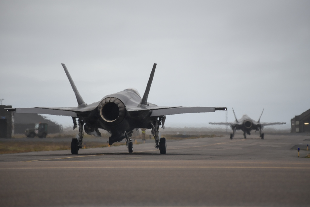 Islanda Northern Lightning F-35
