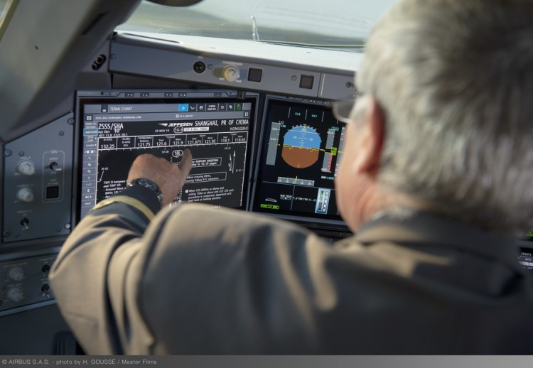 Airbus A350 cockpit touchscreen