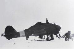 Caproni-Ca-311-61°-gr.-OA-in-fase-di-preriscaldamento-in-Russia