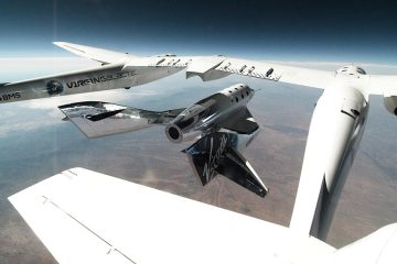 SpaceShipTwo_Unity_Released_From_VMS_Eve_for_Second_Glide_Flight_in_New_Mexico