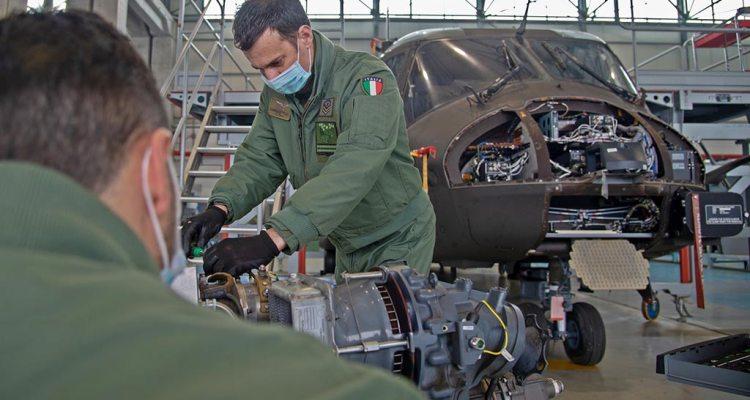 Manutenzione elicotteri 7° Reggimento AVES Vega