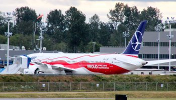 LOT's new Boeing 787-9 and 737 MAX painted in the national