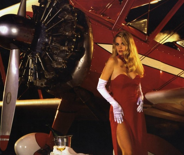 Hot Girls With Airplanes