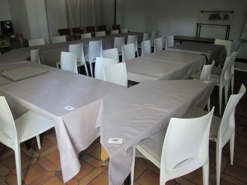 49 chaises en plastique blanc alinea