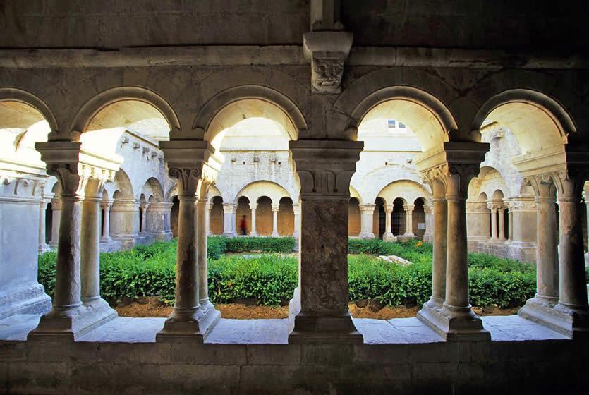 Abbaye Notre Dame De Snanque Abbaye Cistercienne En