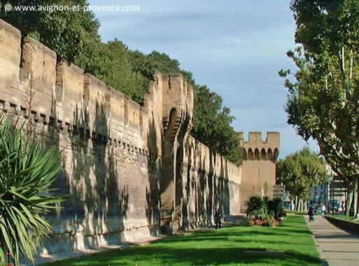 Remparts DAvignon Avignon Et Provence