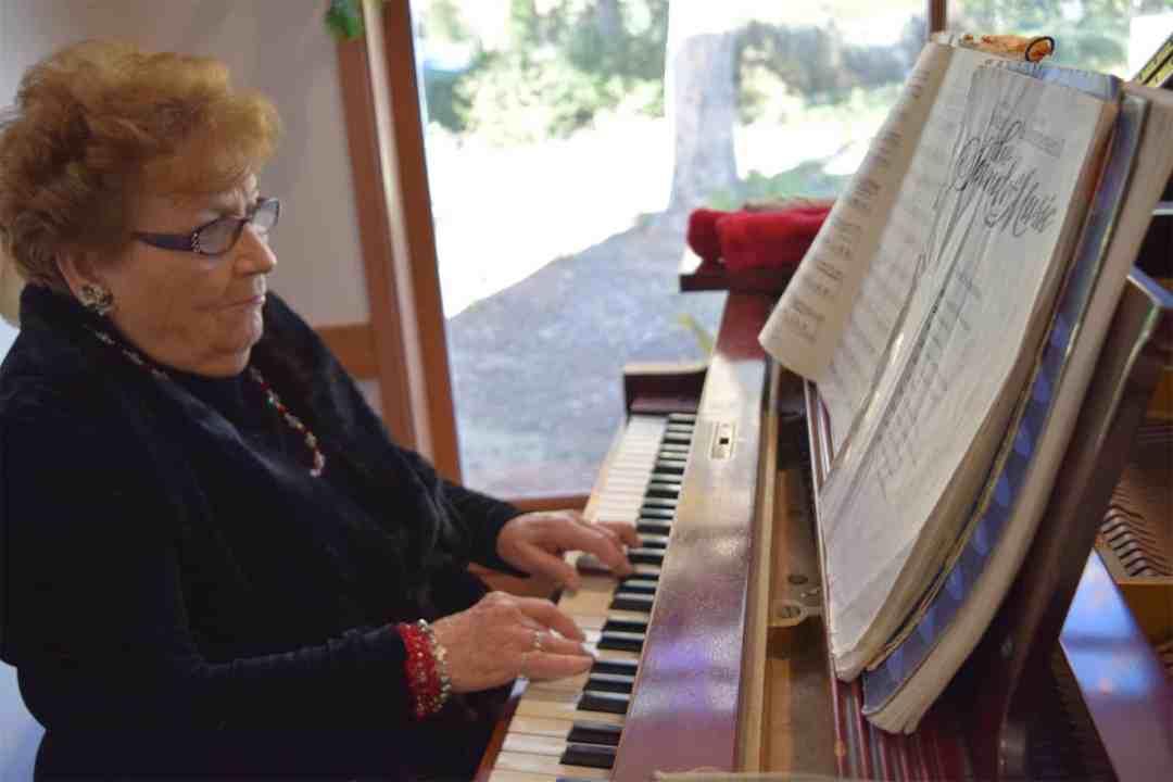 AvilaGardens_ATG_resident_piano