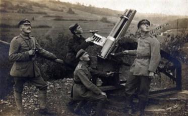 Servants d'un Revolverkanone de 3.7cm