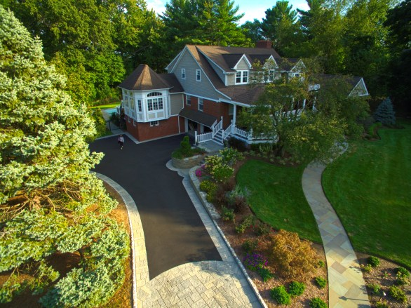 Oradell_pictures Path Closeup