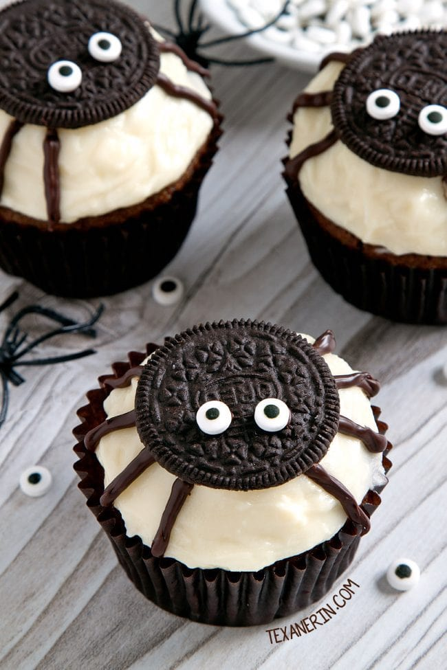 decorated cupcakes with oreo spiders