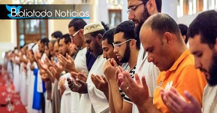 Más de 1.000 musulmanes rinden su vida Jesús en medio de persecución cristiana