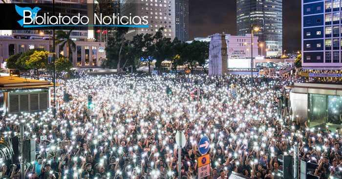 Gran multitud adora a Dios en medio de protestas en Hong Kong