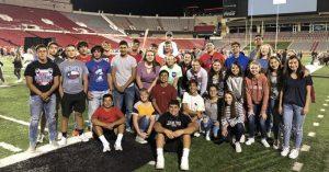 """Foto de algunos de os estudiantes que asistieron a los """"Campos de Fe"""""""