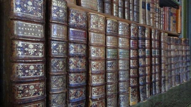 la bibliotheque juridique ancienne