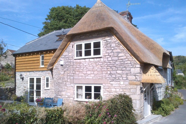 Thatched property builders, master thatchers Dorset, Hampshire, New Forest