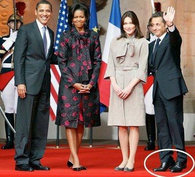 Obama Sarkozy et les talonnettes