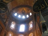 Ô mes frères musulmans, occupez donc plutôt nos églises