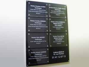 Plaques Professionnelles Plexiglas Et Supports Pour