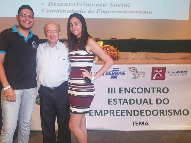 Jovens e colaboradores da ONG Ceacri participaram do III Encontro Estadual e Empreendedorismo