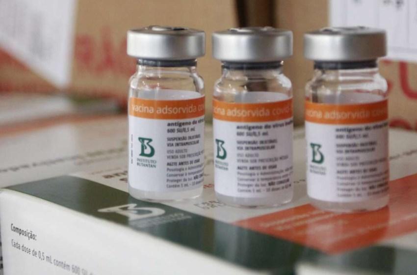 Governo do Ceará negocia com Sinovac e Instituto Butantan para aquisição de vacinas