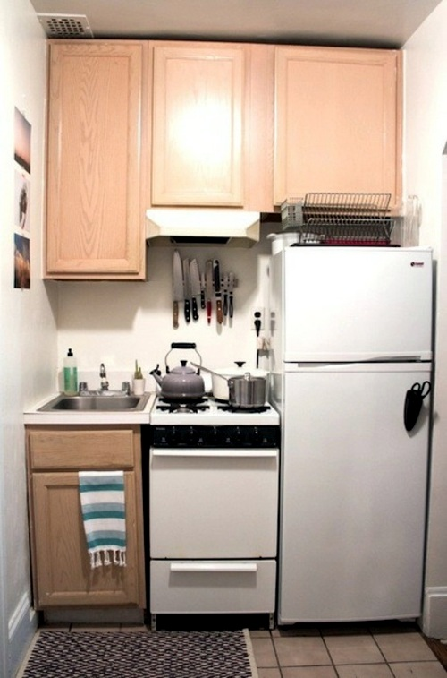 Wonderful Examples For Compact Kitchens Designs