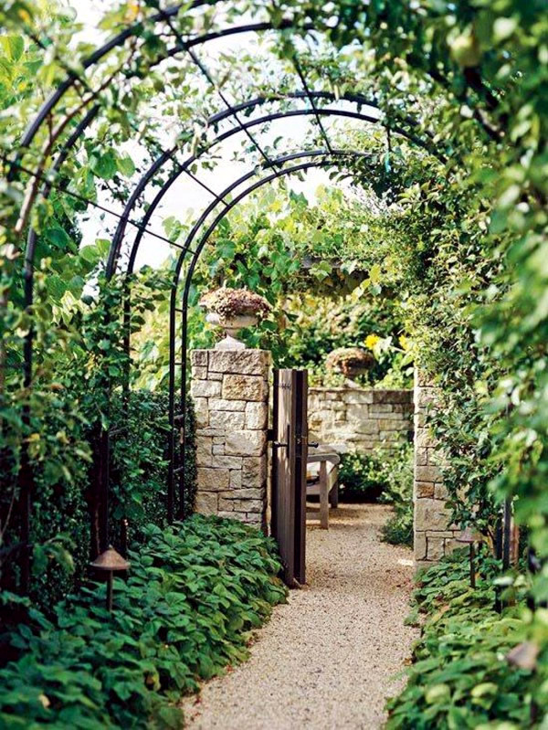 Pergola Made Of Wood Or Metal For A Southern Flair In The